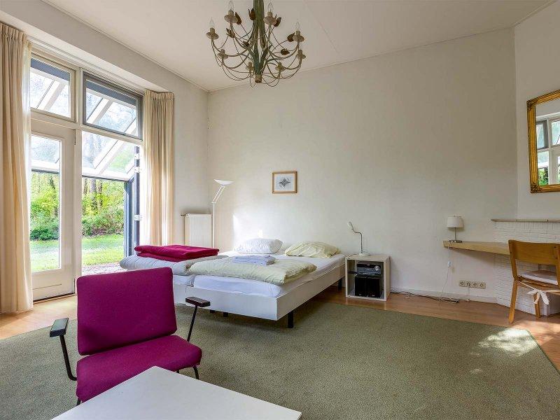 De slaapkamer voor de staf van gebouw C op Meeuwenven Accommodaties